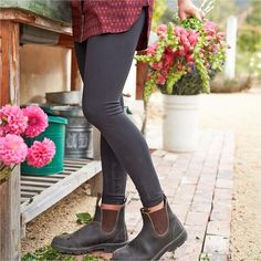 Our best-selling performance knit is now available in take-on-all tights. flex sports superior sweat wicking, keeping you fresh and dry while you work. Winter Outfits, Casual Outfits, Cute Outfits, Fashion Outfits, Womens Fashion, Girl Outfits, Fashion Clothes, Beautiful Outfits, Spring Summer Fashion