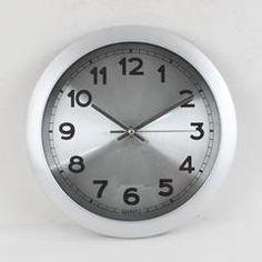 PLASTIC WALL CLOCK IN SILVER COLOR 26X(4)
