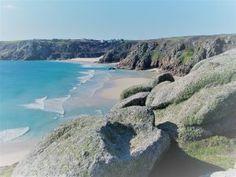 cornwall secret beaches looking down on sandy beach https://ednoveanfarm.co.uk/blog/secret-cornwall-twelve-secluded-beaches/