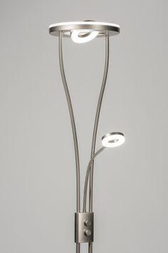 ingebouwd LED Mooi design led vloerlamp met 3 lichtpunten.  De uplighter bestaat uit 2 delen: een vaste uplighter en een kantelbare spot. De spot kan zowel naar beneden als naar boven worden gericht. De uplighter is aan/uit te zetten en te dimmen met de draaiknop op het armatuur. Home interior lights / ONLINE SHOP : click on this LINK ( http://www.rietveldlicht.nl ) Verzendkosten gratis .