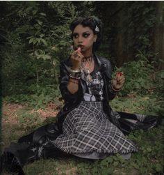 Black Goths  Instagram: @Vampology Dark Fashion, Cute Fashion, Fashion Looks, Alternative Girls, Alternative Fashion, Girl Outfits, Cute Outfits, Fashion Outfits, Estilo Punk Rock