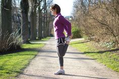 running stretches, dynamic stretches, stretch before run, running warm-up Pre Run Stretches, Stretches Before Running, Stretches For Runners, Best Stretches, Running Warm Up, Running Tips, Running Women, Running Workouts, Full Body Stretch