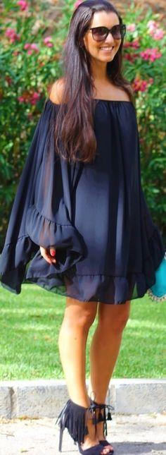 Black / Fashion By Estilo Hedonica Fashion Outfits, Womens Fashion, Maternity Fashion, Well Dressed, Beautiful Dresses, Summer Outfits, Fashion Looks, Vintage Fashion, Street Style