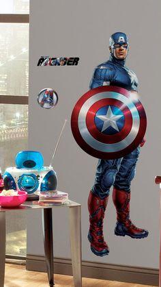 Steve Rogers, também conhecido como O Capitão América, é um super-herói criado por Jack Kirby e Joe Simon, nos anos 40, antes mesmo da criação da Marvel Comics. Um dos líderes dos Vingadores, o adesivo de parede do personagem é outra ótima opção para decorar o quarto. Entre e confira!