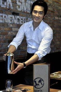 Song Seung Hun as CEO of Blacksmith Restaurant Song Seung Heon, Asian Actors, Korean Actors, Asian Celebrities, Sung Hyun, Lee Minh Ho, Korea University, Korean Drama Movies, Handsome Faces