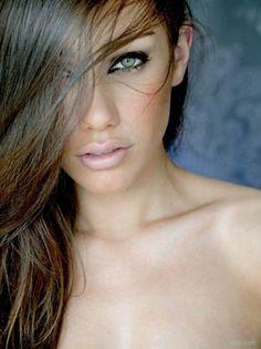 O blush ajuda a dar uma aparência mais saudável para a pele. Só não pode abusar!