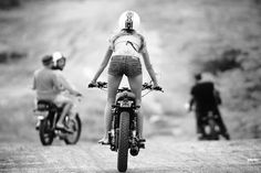 Looking good! Chic on #bike #motor