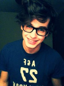 Read 。james sirius potter from the story astronomy Guys With Green Eyes, James Sirius Potter, Alberto Rosende, Blake Steven, Young Johnny Depp, Nerd, Man Set, Face Claims, Messy Hairstyles
