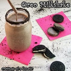 Top 10 Frozen Desserts by Cravings of a Lunatic ~ Oreo Milkshake Oreo Milkshake, Milkshake Recipes, Milkshakes, Smoothies, Smoothie Drinks, Frozen Desserts, Frozen Treats, Yummy Drinks, Delicious Desserts