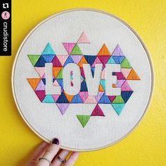 """mrxstitch: """" Geometry + negative space = love #regram @crudistore ・・・ (VENDIDO) Tcharaam! Olha quem está prontinho. Quadro Geometric LOVE disponível pra venda, esperando por você! ✨Peça única pra..."""