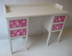 Deskchairrose011 restored and hand painted by Mimi en Co #kinderbureau #kindermeubelen #kinderkamers