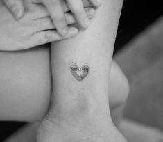 small line tattoos heart \ line tattoos heart ` heart tan line sun tattoos ` fine line heart tattoos ` life line tattoos heart ` anatomical heart tattoos fine line ` small line tattoos heart ` small heart tattoos bikini line ` heart line tattoos for women Tattoo Girls, Tiny Tattoos For Girls, Small Heart Tattoos, Heart Tattoo Designs, Tattoos For Women Small, Girl Tattoos, Bodysuit Tattoos, Tattoo Small, Tatoos
