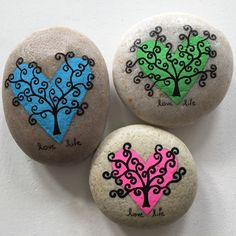 Cute and creative rock painting ideas for kids tag: rock painting ideas awesome fun, stone art, rock painting ideas animals, rock painting ideas easy, Pebble Painting, Pebble Art, Stone Painting, Painting Art, Pencil Painting, Stone Crafts, Rock Crafts, Arts And Crafts, Diy Crafts