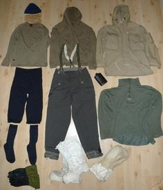 Dressing for winter in the boreal forest - A great tute on design of cold climes clothing from a bushbro :) Bushcraft Skills, Bushcraft Gear, Bushcraft Camping, Outdoor Survival, Survival Tips, Survival Skills, Outdoor Gear, Winter Hiking, Winter Camping