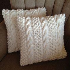 Grob gestrickte Kissen …, mit dicker Wolle ist man schnell fertig! - DIY Bastelideen