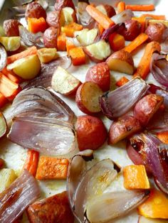 Ingredients: 1 medium butternut squash, peeled, seeded, and cubed <3 12 red potatoes, quartered <3 2 red onions, quartered <3 8 carrots, halved lengthwise and cut into 2 inch pieces <3 6 garlic cloves, peeled and smashed <3 3 tablespoons olive oil <3 Salt & pepper <3 Bake at 450 fro 40-50 mins #MyVeganJournal