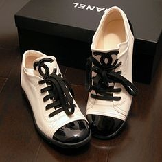 Two tone shoes - Chanel by Eva