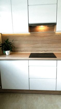 Contemporary style kitchen designs are among the methods to go. Kitchen Room Design, Home Decor Kitchen, Interior Design Living Room, Home Kitchens, Kitchen Window Bar, Kitchen Cabinets To Ceiling, Küchen In U Form, Küchen Design, Kitchen Styling