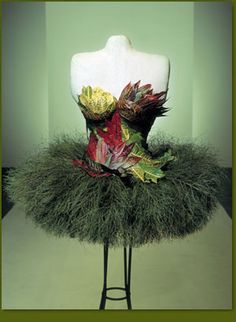 Another one of #Franz Grabe's amazing creations!!! Flower Couture!