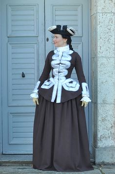 Before the Automobile: Mid 18th century riding habit