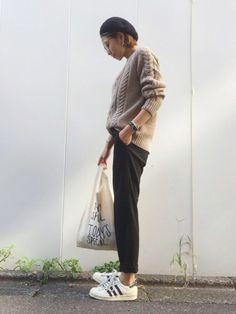 大活躍なこのパンツ。 かなりの着回し💕 ニットはguです☺︎🌿 Instagram→mana.8