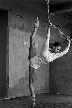 My absolute favorite ballet dancer. Misty Copeland, the first African American female soloist for the American Ballet Theatre Georg Christoph Lichtenberg, Fitness Motivation, Black Ballerina, American Ballet Theatre, Ballet Theater, Dance Like No One Is Watching, Dance Movement, Dance Class, Dance Quotes