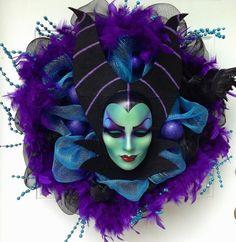 Halloween Mesh Wreath Maleficent Disney Halloween Wreath #halloween #mesh #wreath www.loveitsomuch.com