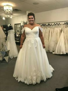 Most current Photo Lace wedding gown, Aline wedding dress, plus size wedding dress, curvy bride Concepts Wonderful Wedding Dresses ! The present wedding dresses 2019 includes twelve different dresses in th Western Wedding Dresses, Dream Wedding Dresses, Wedding Attire, Bridal Dresses, Halter Dresses, Tulle Wedding, Boho Wedding, Bridesmaid Dresses, Plus Size Wedding Gowns