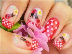 Lady bug #nails. Hmm but they seem hard to do! Via www.zoolz.com