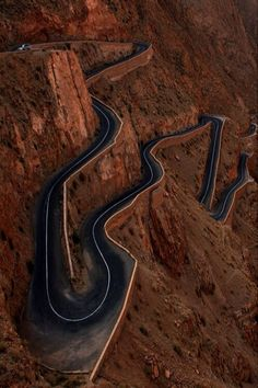 sorta looks like Moki Dugway in SE Utah <3