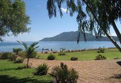 http://www.tourismnewsinfo.com/wp-content/uploads/2011/06/Great-Lakes-of-Lake-Malawi-Africa.jpg