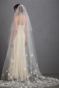 Buoyant Blooms Veil from BHLDN  #weddingdress #bridalgown #weddinggown