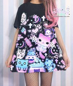 Magic cats T-shirt - Kawaii pastel goth creepy cute melty crescent bat cat spooky cat ghost hal Pastel Goth Fashion, Kawaii Fashion, Cute Fashion, Fashion Outfits, Pastel Goth Style, Fashion Poses, Pastell Goth Outfits, Pastel Outfit, Ropa Color Pastel