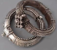 fine pair of Vellor worn silver bangles with granulation and filigree from Combitore region of Tamil Nadu , India c (private collection of Linda Pastorino) Ethnic Jewelry, Silver Jewellery Indian, Silver Bangles, Silver Jewelry, Silver Ring, Silver Earrings, Garnet Earrings, Gold Jewellery, Boho Jewelry