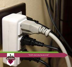 Desenchufe los aparatos electrónicos que no sean utilizados regularmente ya que cuando se encuentran conectados continúan consumiendo electricidad aunque permanezcan apagados.