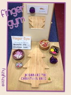 Decorate the Christmas tree with loose parts from @tishylishy