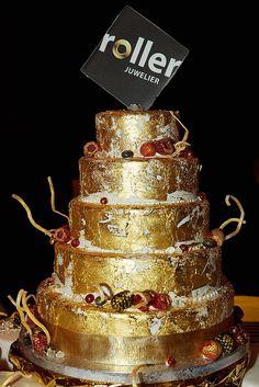 130 Jahre Roller - das ist schon eine goldene Torte wert, oder?