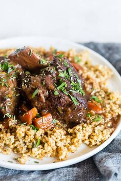 These Instant Pot red wine rosemary short ribs are the perfect use of your electric pressure cooker. They turn out perfectly tender and are packed full of red wine and rosemary flavor. Instant Pot Pressure Cooker, Pressure Cooker Recipes, Pressure Cooking, Short Ribs, One Pot Meals, Easy Dinner Recipes, Easy Recipes, Dinner Ideas, Quick Meals
