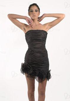 Robe de cocktail bustier, une petite robe en taffetas courte et sexy. tissus plissé, réclinaison au bas, avec la décoration de fleurs 360°. elle épouse étroitement votre S-ligne en vous donnant plein de féminité.  différentes tailles et coloris à votre disposition.