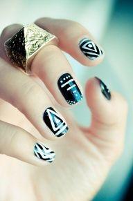 Tribal mono nails