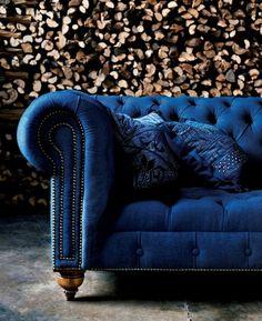 Chesterfield armchair. sofa. Blue. velvet. Chesterfield Sofa, Tufted Sofa, Sofa Design, Wall Design, House Design, Capitone Sofa, Blue Velvet Sofa, Blue Couches, Antique Furniture