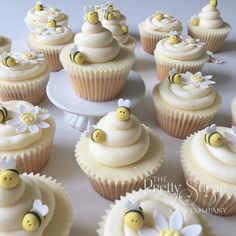 Bee and daisy cupcakes. Perfect for a themed party!