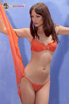 Bahamas String Orange. L'un des nombreux #maillotdebain et #bikini #string proposés par my-sexy-bikini.com