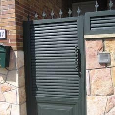 Puertas madrid and google on pinterest for Puerta tipo louver