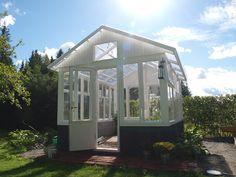 Lifestyleblogi jossa remontoidaan, herkutellaan ja eletään normaalia arkea kesämökillä ja vanhassa talossa. Outdoor Areas, Outdoor Structures, Old Houses, Gazebo, Outdoor Living, Home And Garden, Green, Inspiration, Gardening