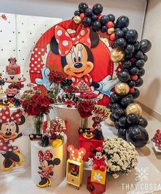 Minnie Mouse Balloons, Minnie Mouse Birthday Decorations, Kids Birthday Themes, Birthday Frames, Mickey Mouse Birthday, Mickey Minnie Mouse, 1st Birthday Girls, Minie Mouse Party, Minnie Mouse Theme Party