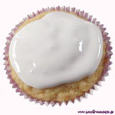 schneeweißer Zuckerguss auch zum einfärben. Funktioniert einwandfrei!!!