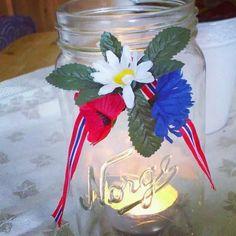 Et enkelt og fint Norgesglass med 17.mai-sløyfe av @havsing