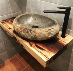 Badezimmer Types of Staple-Up Radiant Heating Systems Under-floor radiant heat is ideal for homeowne Stone Bathroom, Wooden Bathroom, Bathroom Furniture, Small Bathroom, Lavatory Design, Sink Design, Rustic Bathroom Designs, Rustic Bathrooms, Stone House Plans