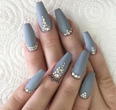 We are always here to preserve you updated with the modern day style, beauty trends, latest fashion and splendor traits, So today we wanted to show you which is the amusing nail trend that everyone is going crazy for. Coffin nails are such trend, take a look at out our image collection of numerous such nail designs
